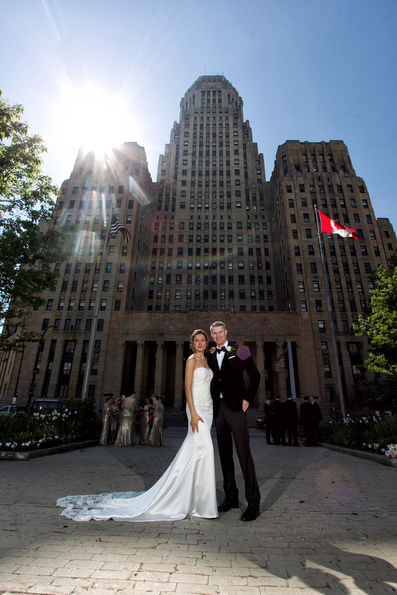 Buffalo-weddings-bride-and-groom-City-Hall