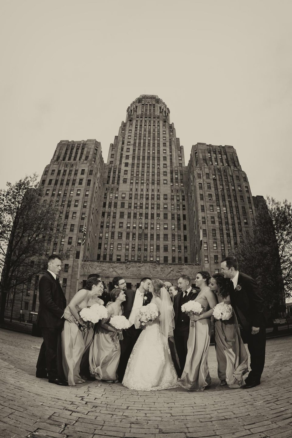 wedding-party-city-hall
