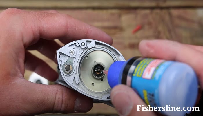How to Oil a Baitcasting Reel? Easiest Way Described