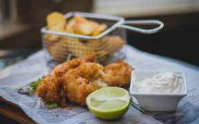 SUPPORT FOR SMALLER FISH AND CHIP PORTIONS