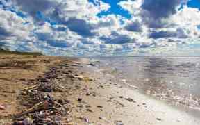 CANADA TACKLES PLASTIC POLLUTION