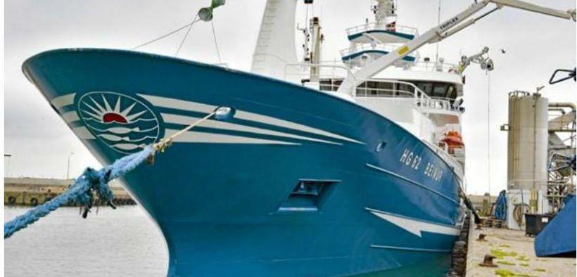 large-trawler-full-of-praise