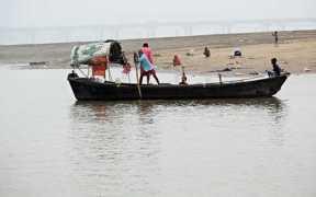 WASTE FISHING GEAR THREATENS GANGES