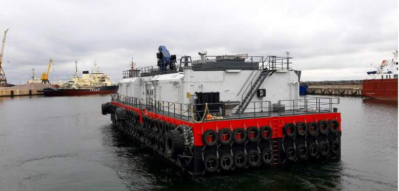 new-feed-barge-designed-for-rough-weather