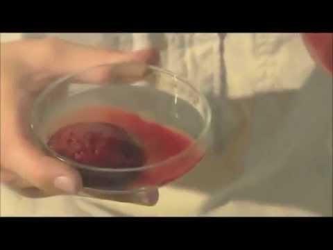 Video: Snake venom turns human blood to jelly