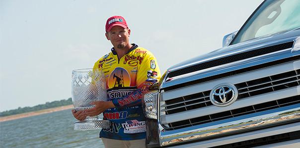 Keith Combs sets world record at Lake Fork-wins TTBC