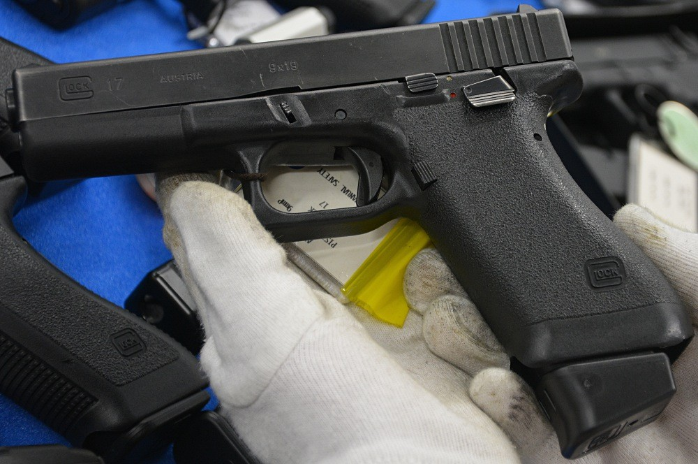 glock-17-factory-thumb-safety
