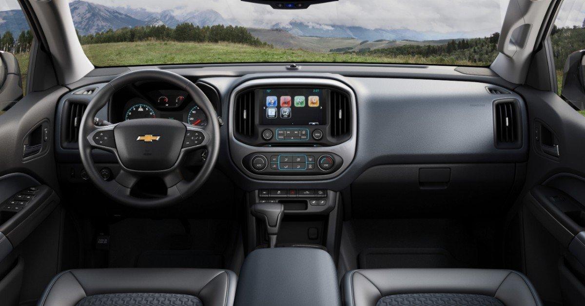 Interior of Chevy Colorado for 2015