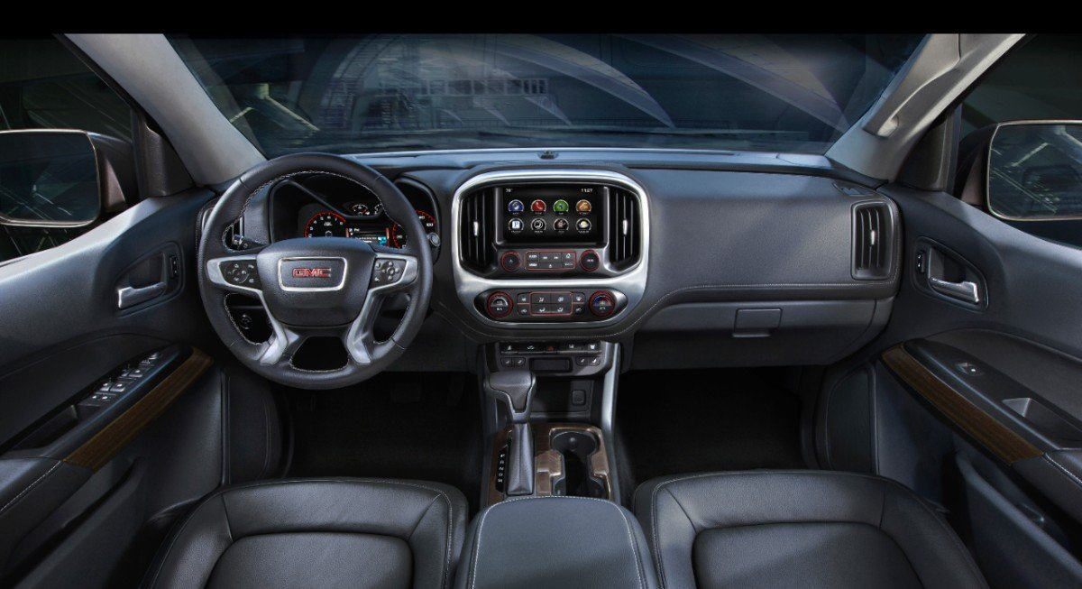 Interior of 2015 GMC Canyon
