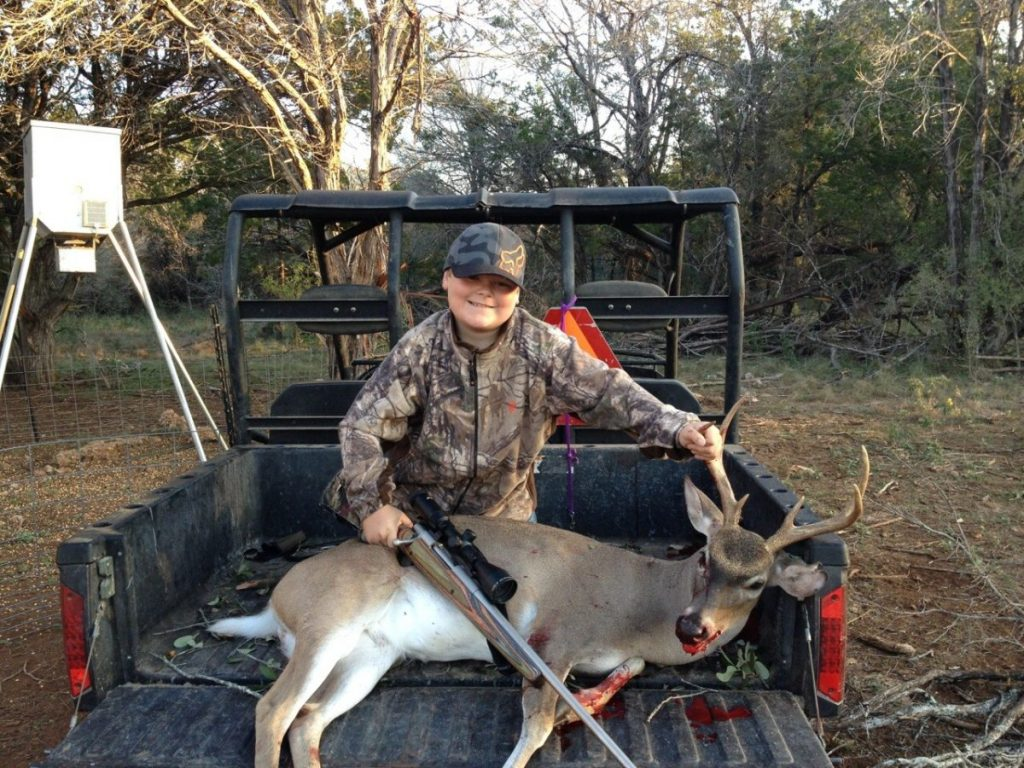 Deer skinning pole plans - Comal County Buck