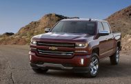 GM teases with 2016 Chevy Silverado