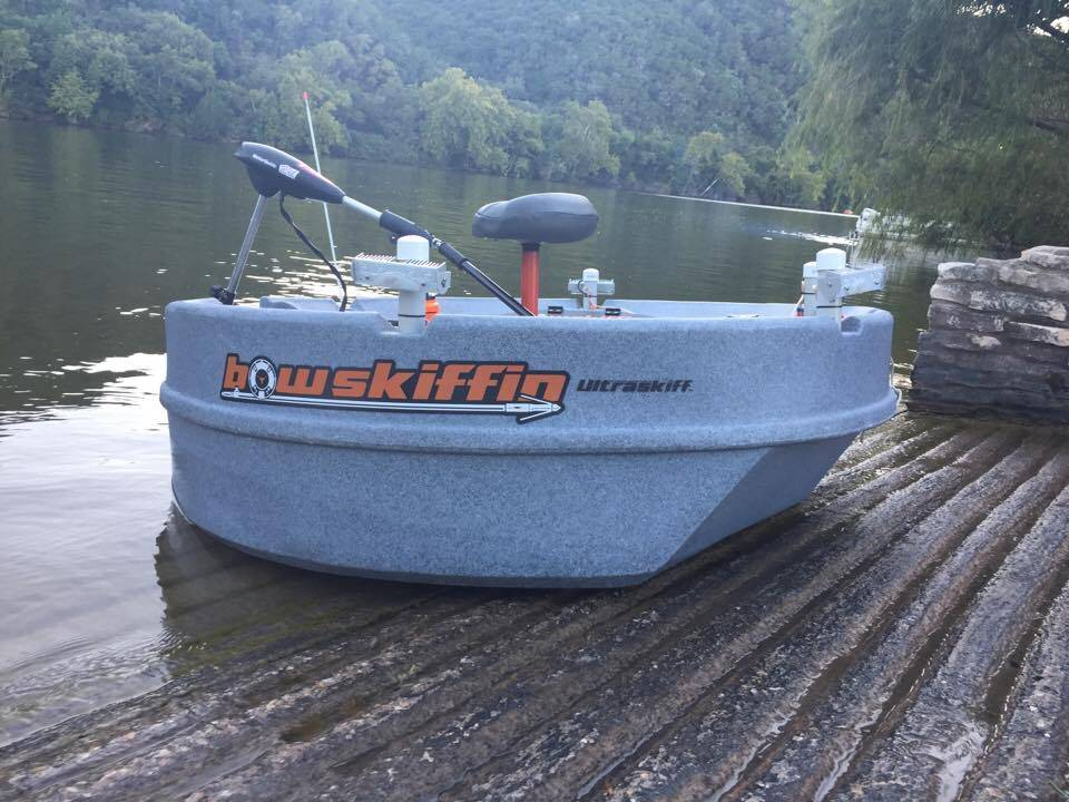 Fishing and bowfishing from a one man round boat for Bow fishing boats