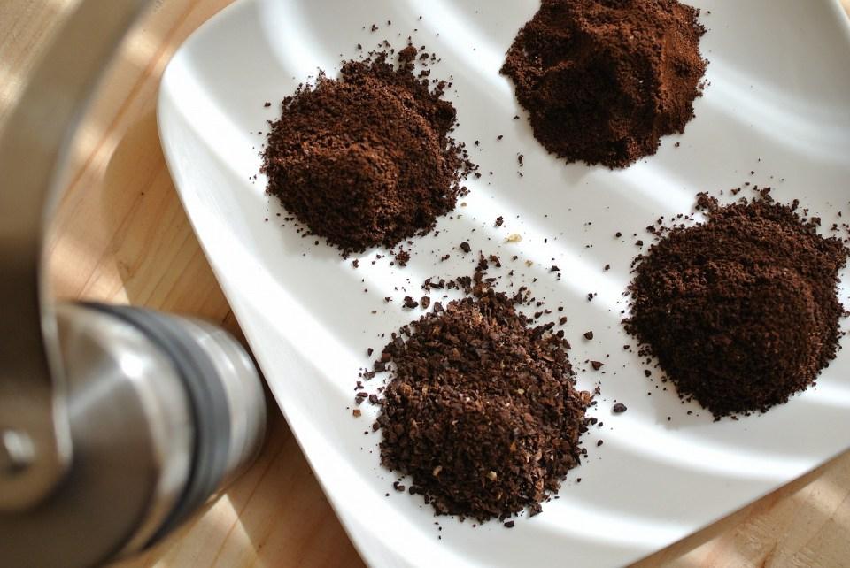セラミックコーヒーミルの挽き目サンプル