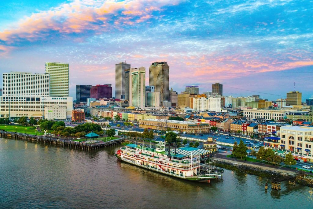 A view of New Orleans' cityscape at sunset