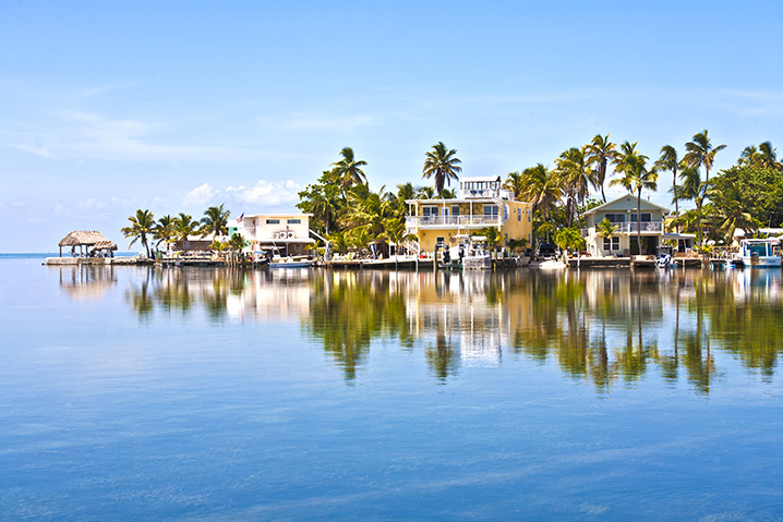 Florida Keys waterfront with houses looking out onto the Atlantic Ocean