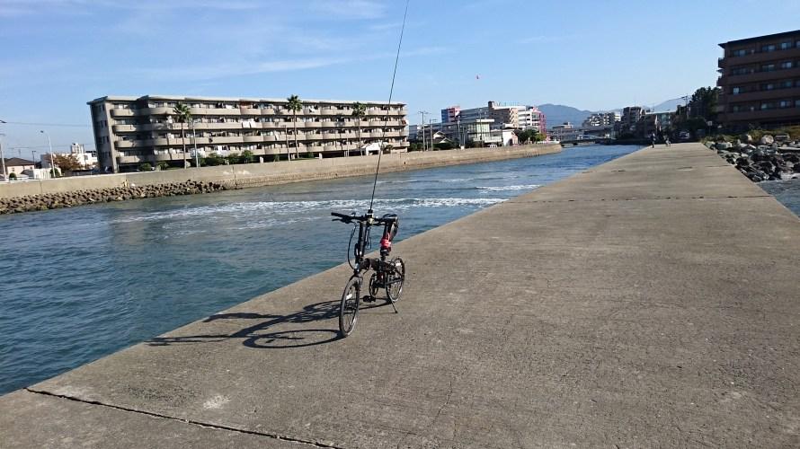 ミニベロ自転車に釣り竿用のロッドホルダーを取り付けたら移動が快適