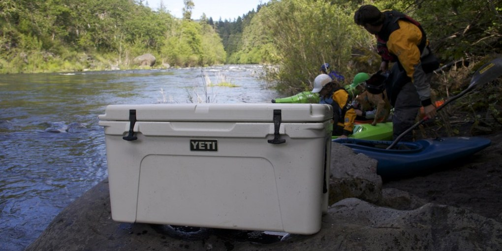 How to choose a fishing cooler