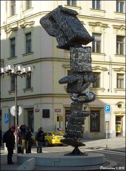 Скульптура из ключей - достопримечательность Праги (6 фото)