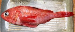 冬場に脂がのるキンキ(キチジ)は、北の海のご馳走白身魚