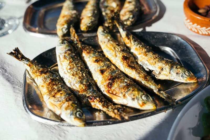 10 motive să alegi micile sardine pentru mesele tale