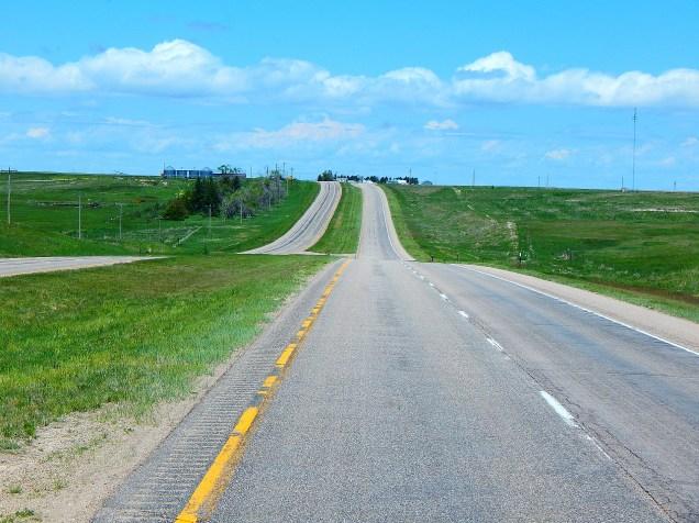 2016-5-31f SR71 4 lanes no traffic. curious.