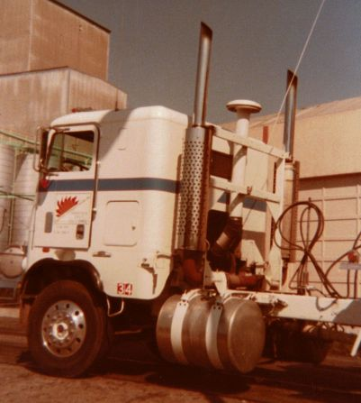 I loved this Freightliner, old #34. She was my assigned tractor when my employer hauled sugar and molasses for Spreckels Sugar and also chemicals from near Death Valley. This was one of my favorite rides; she had a Cummins 350 and a 13 speed Roadranger transmission.