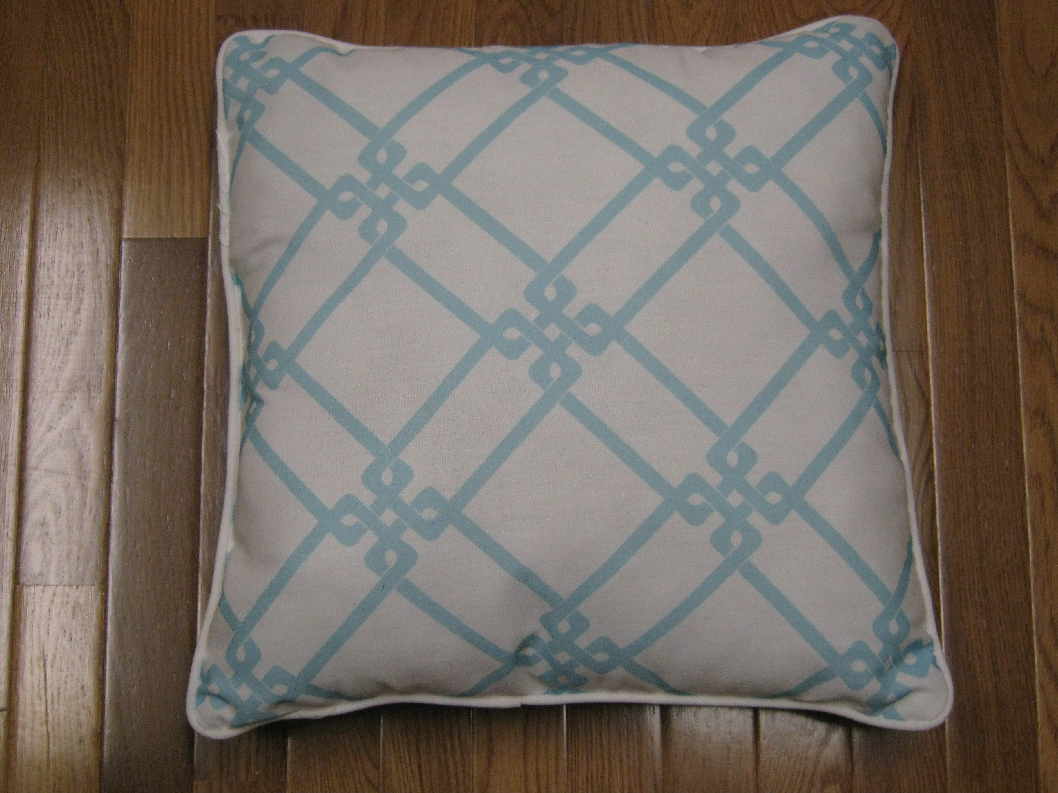 Make Removable Throw Pillow Covers : How To Make No Sew Removable Pillow Covers - Finding Silver Linings