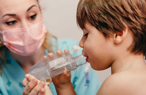 Fisioterapia respiratoria. ¿Qué es y cómo se realiza?