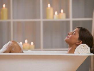 Cinco Beneficios de un Baño Caliente