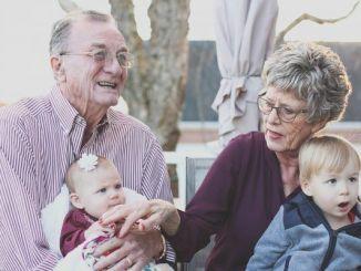 Feliz Día de los Abuelos: Beneficios del Apego