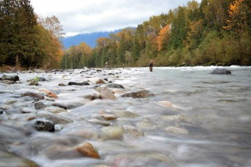 Fiskerejser til Chilliwack ved floden ved huset