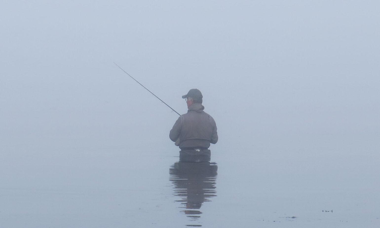 Fiskerejse-til-Vancouver-Island-efter-sølvlaks---står-i-tågen