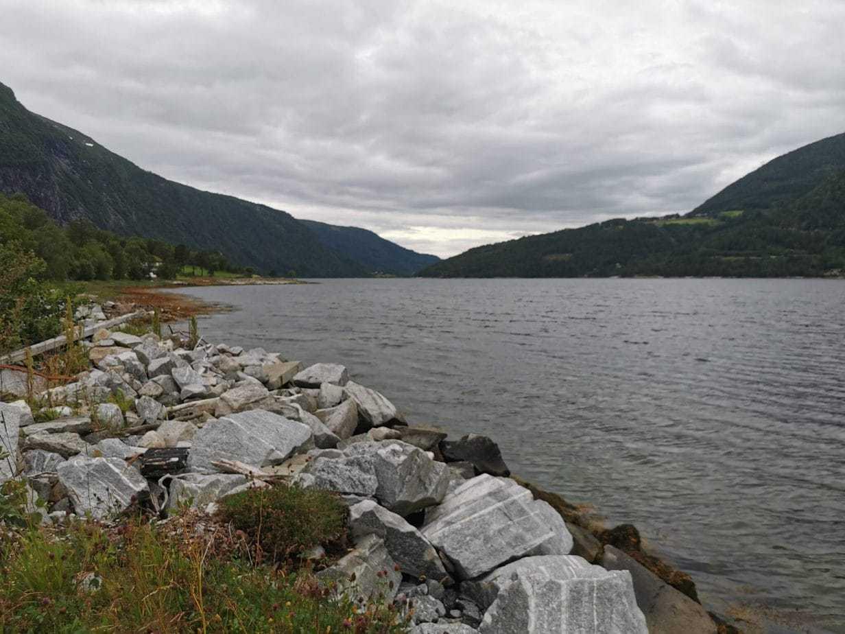 Fiskerejse todalsfjorden i Norge