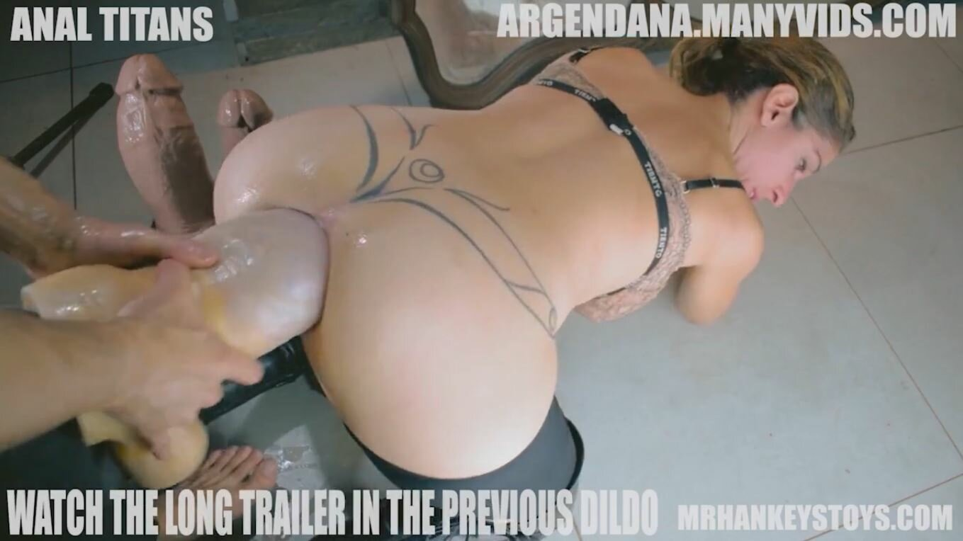 Argendana Huge Anal Insertions With Big Dildo