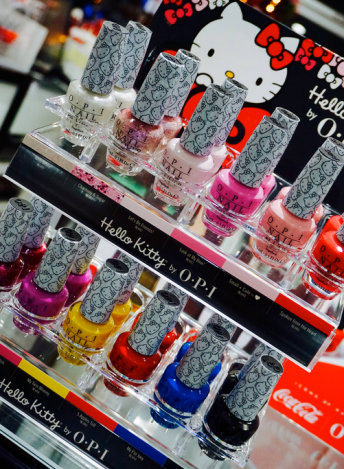 OPI - 5 Apples Tall *HELLO KITTY COLLECTION 2016