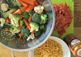 healthy-dinner-macaroni-stir-fried-veg-chorizo-aubergine-pesto