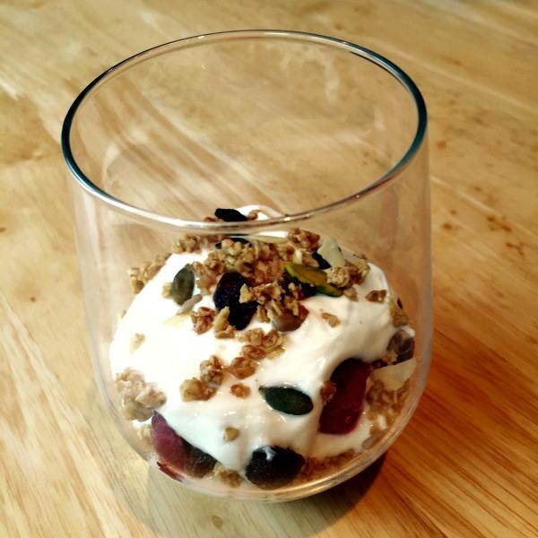 Layered-Granola-&-Greek-Yoghurt-Pot