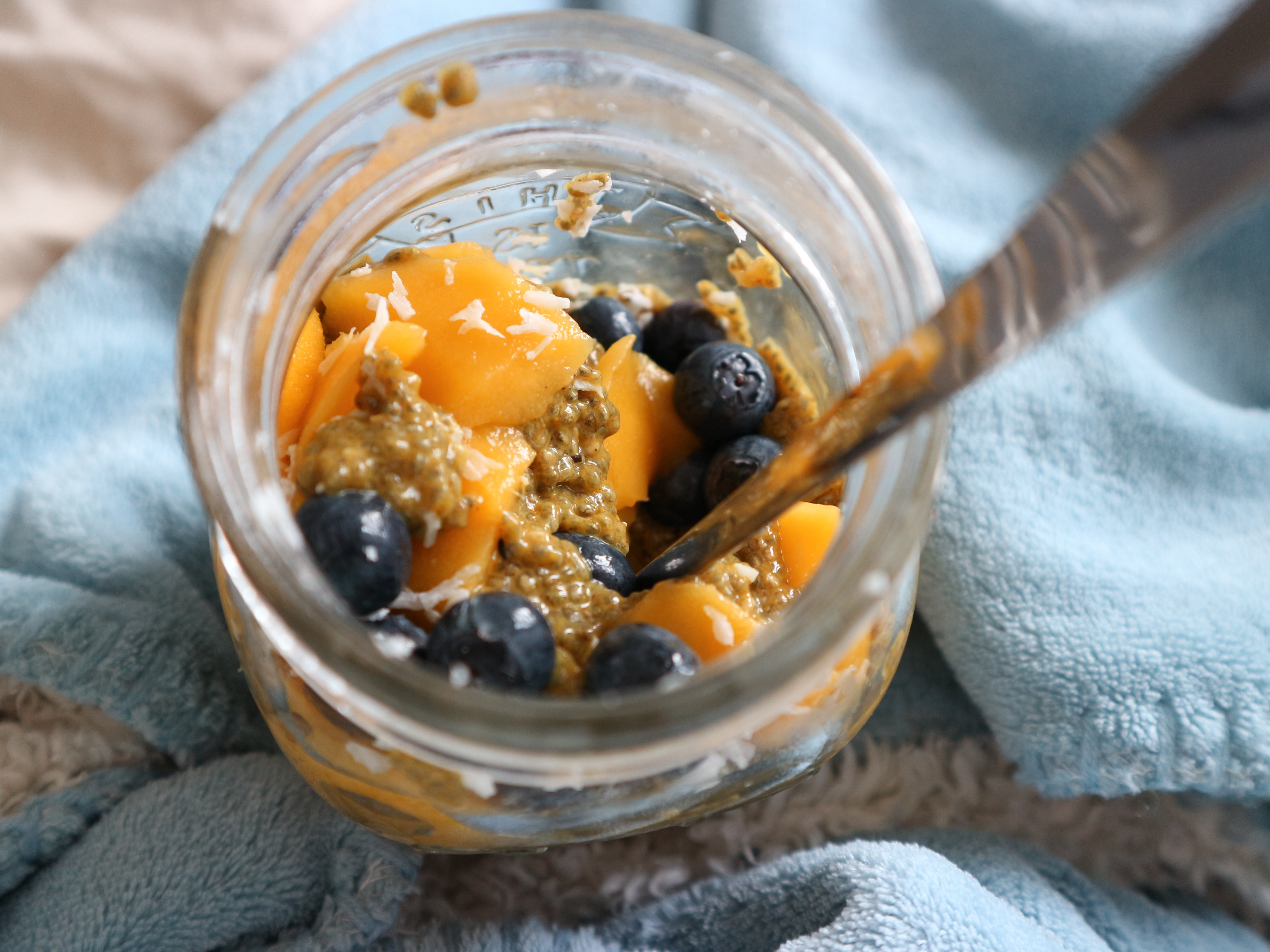 Golden chia pudding