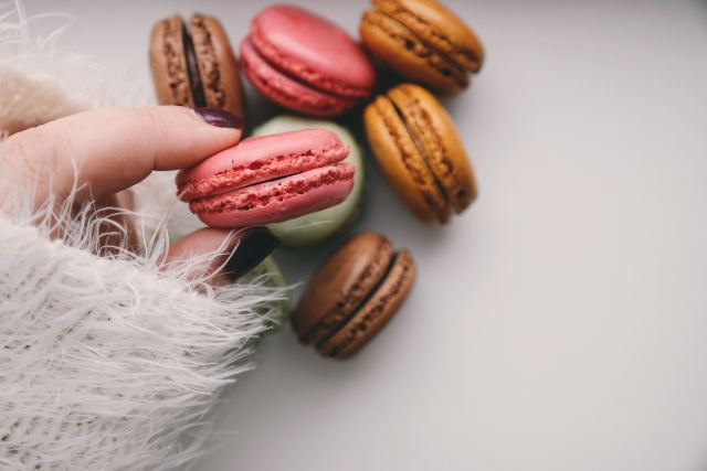 girl with a macaroon
