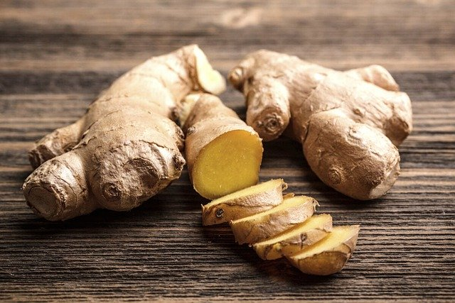 Ginger and other spices are foods that decrease inflammation