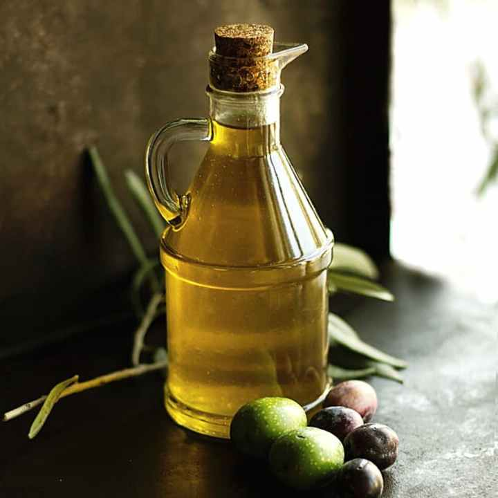 differences between olive oils can affect the oils color