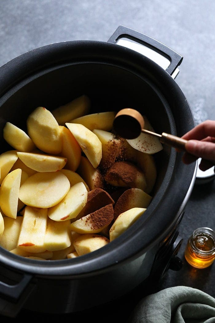 Sliced ​​apples in a saucepan