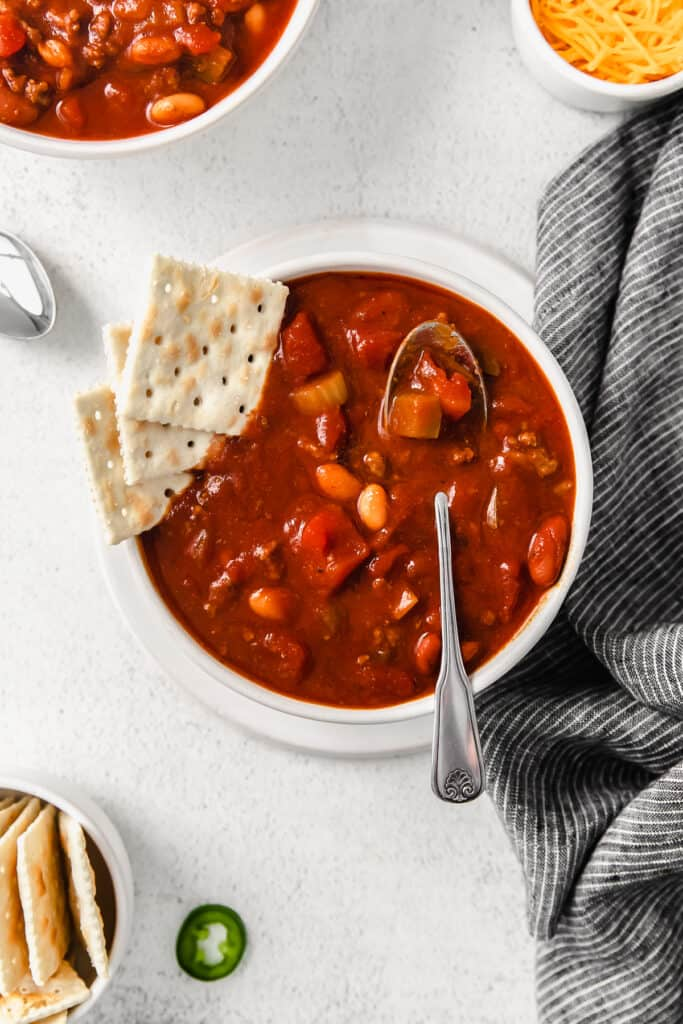 chili in bowl with crackers