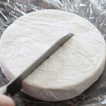 How to Ensure Your Brie Cheese Doesn't Dry Out