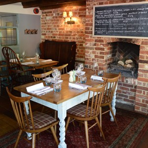 THE BEST VEGAN-FRIENDLY PLACES TO EAT IN HAMPSHIRE. THE WHITE HORSE, OTTERBOURNE