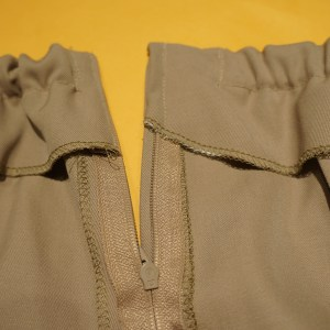 Topstitched and elasticized pants!
