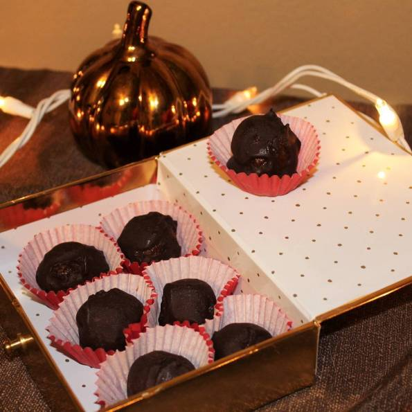 These nobake Dark Chocolate Pumpkin Spice Truffles were posted uphellip