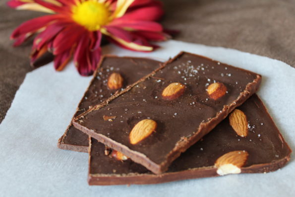 Paleo Antioxidant Dark Chocolate Sea Salt & Almond Bars