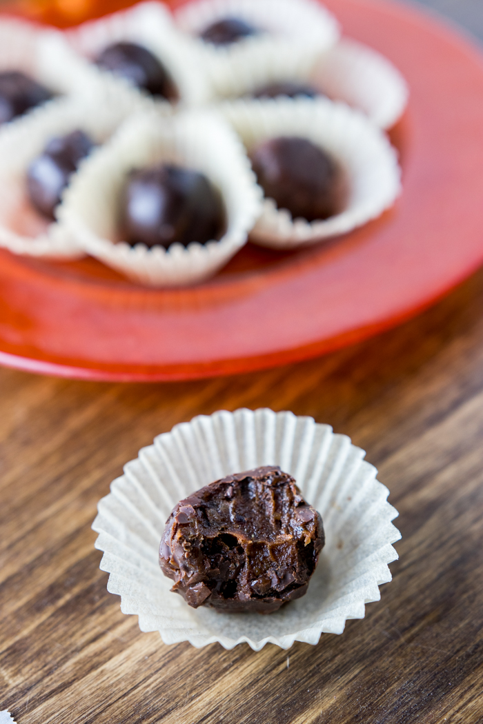 Dark Chocolate Paleo Pumpkin Spice Truffles