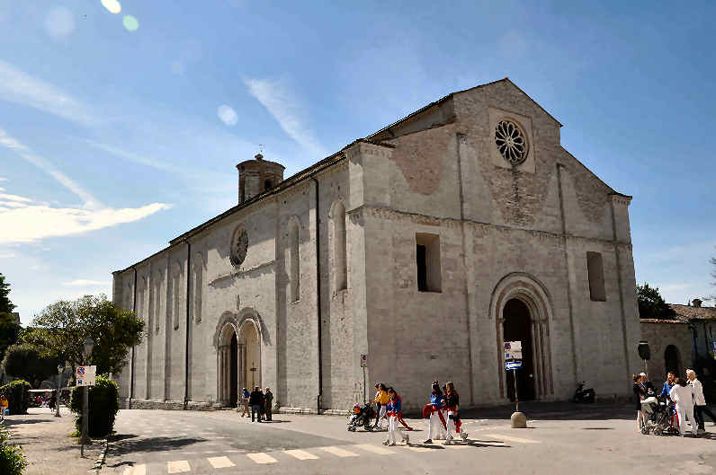 Visita in Umbria - Chiesa di San Francesco a Gubbio